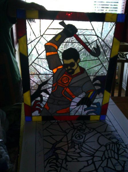 My Mom started doing stain glass. I asked her for Freeman and this is what I got : gaming