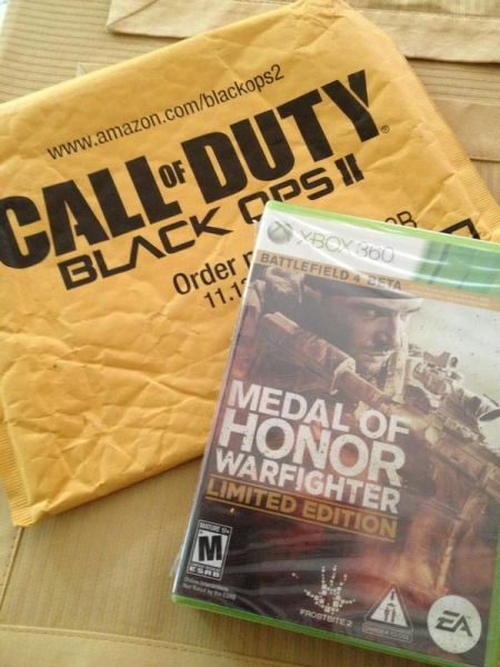 So this is the packaging that @Amazon is shipping @MedalOfHonor in... Brilliant!